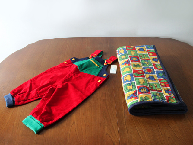 handmade-blanket-and-vintage-baby-outfit