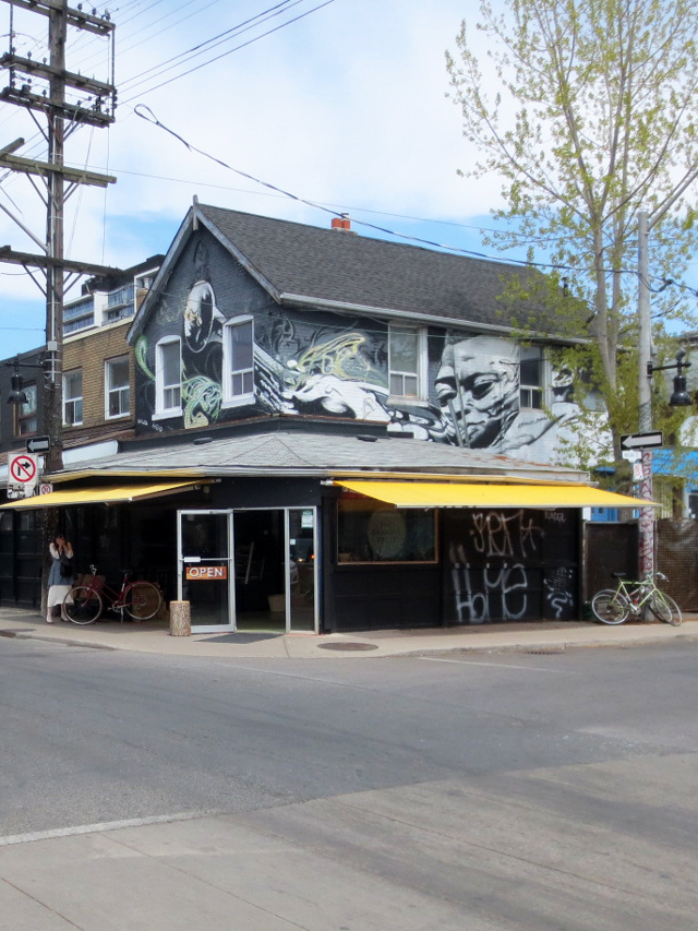 building-in-kensington-market-toronto