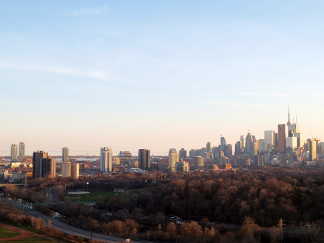 toronto evening seen from the east