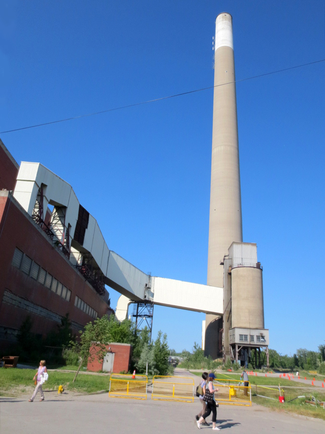 smokestack-at-hearn-generating-station-portlands-toronto