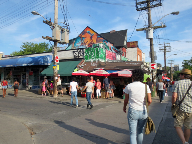 summer-evening-in-kensington-market