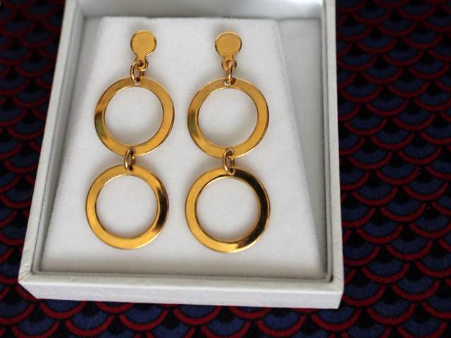 gold-earrings-from-mod-vintage-on-bloor-street-west-toronto