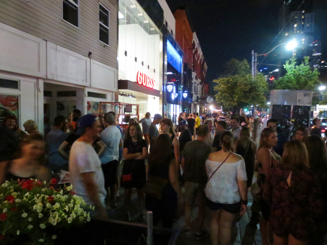 outside-the-horseshoe-toronto-after-tragically-hip-concert-screening