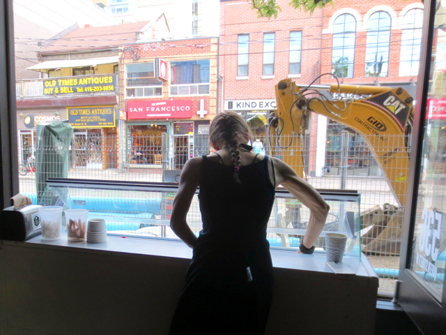 scooping-gelato-in-window-with-construction-on-queen-street-west