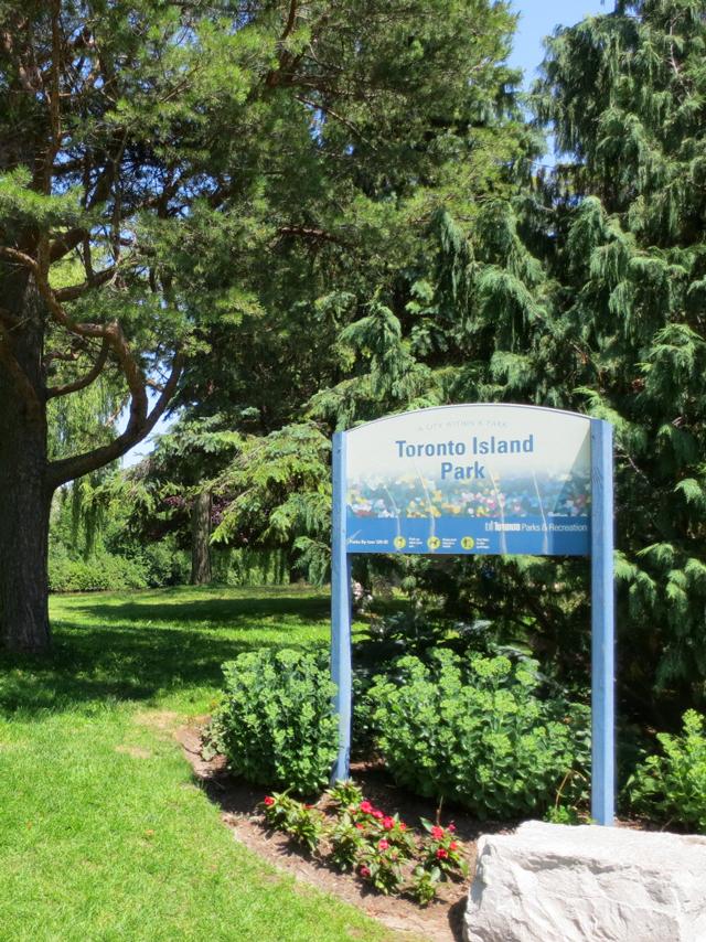 toronto island park sign