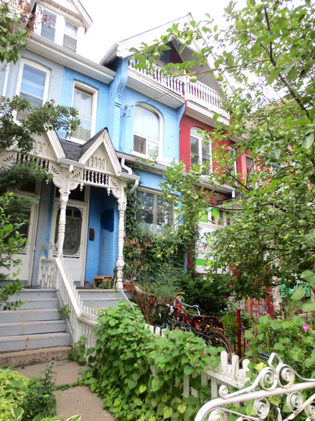 historic-houses-in-kensington-market-toronto