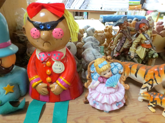 vintage-figurines-in-smart-wear-kensington-market