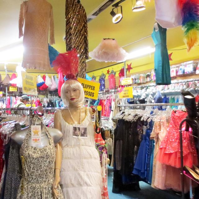 vintage shopping in kensington market toronto at exile