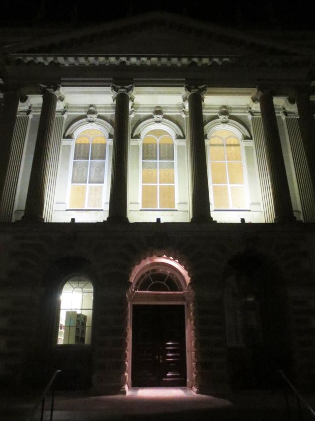 osgoode-hall-toronto-at-night