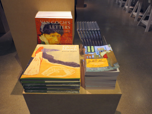 art-books-ago-gift-shop