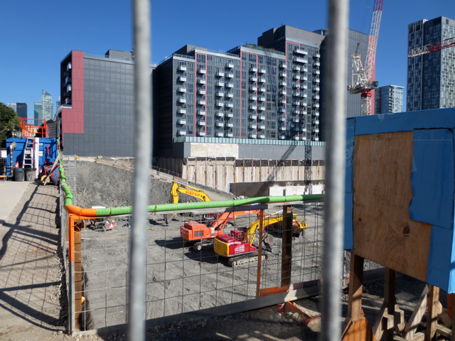 condo-construction-site-toronto-bathurst-and-niagara-streets