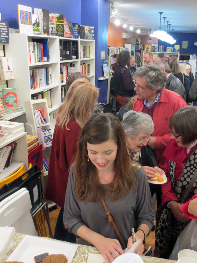 julie-signing-books-at-bookstore