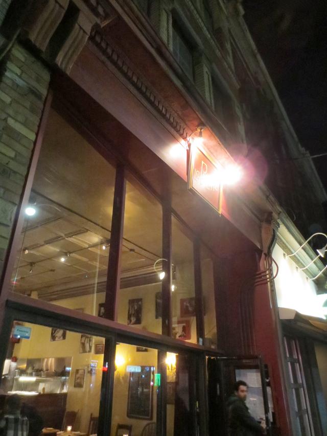outside la pallete restaurant queen street west toronto romantic french restaurant