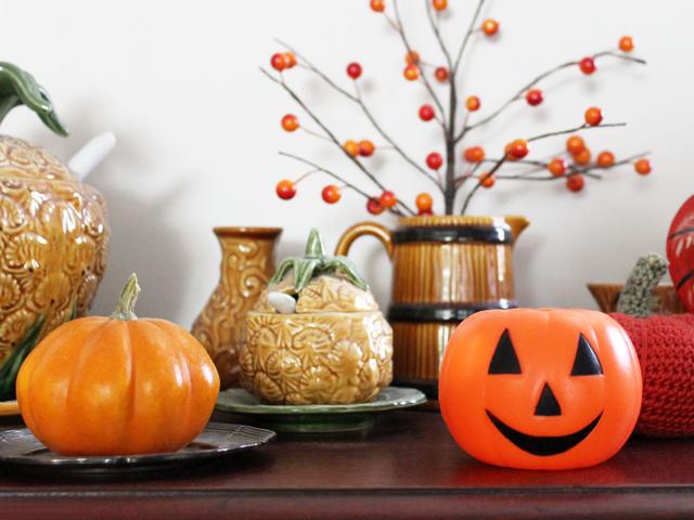 plastic jack o lantern and gourd pumpkin halloween decor