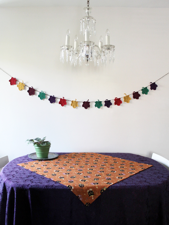 table with halloween fabric cloth