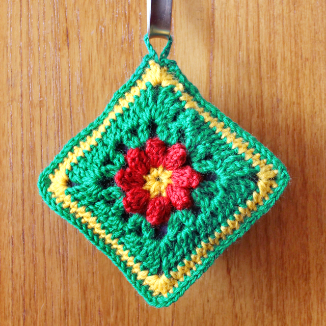 how to crochet a christmas sachet with renewal scent