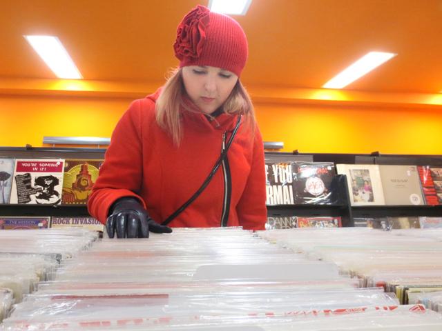 buying vinyl record albums toronto bmv the annex bloor street west