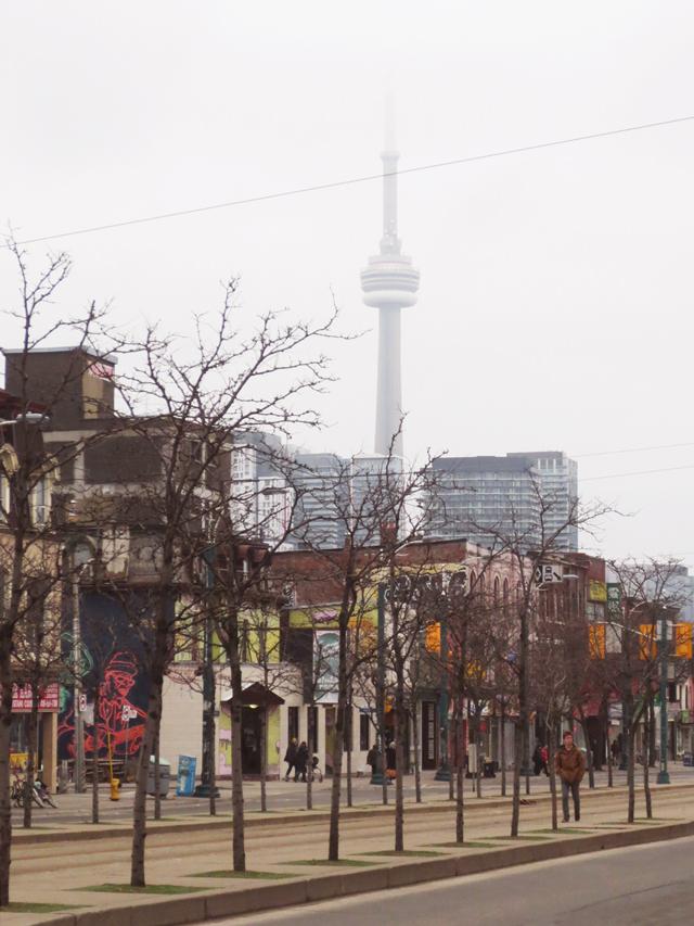 spadina street cn tower