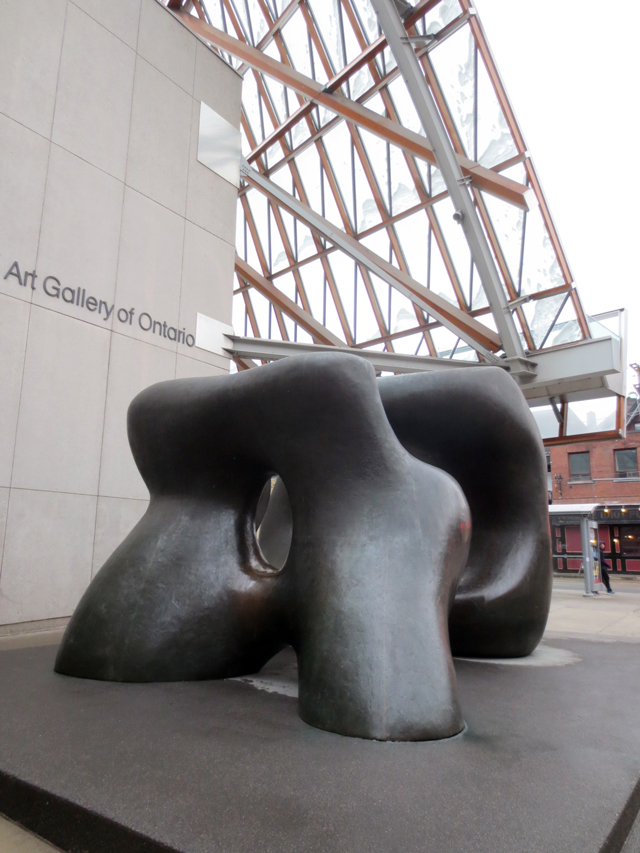 art gallery of ontario toronto henry moore sculpture outside