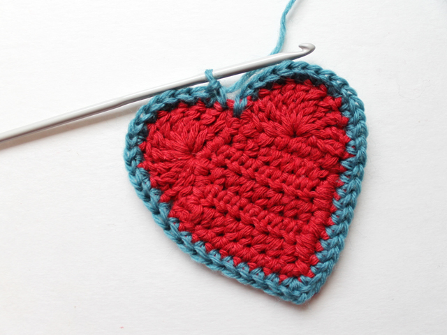 crocheted heart free pattern attaching border
