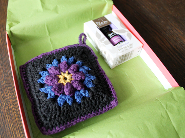 crocheted sachet with renewable scent insert