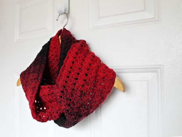 hand crocheted double wrap cowl scarf shell stitch pattern lion brand scarfie chunky yarn