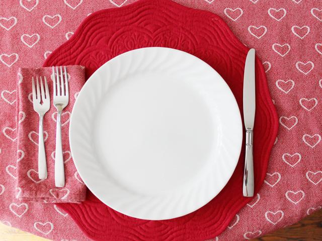 valentine dinner table setting