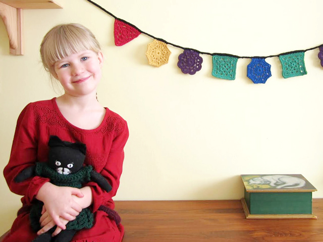 d with sock cat and crocheted garland