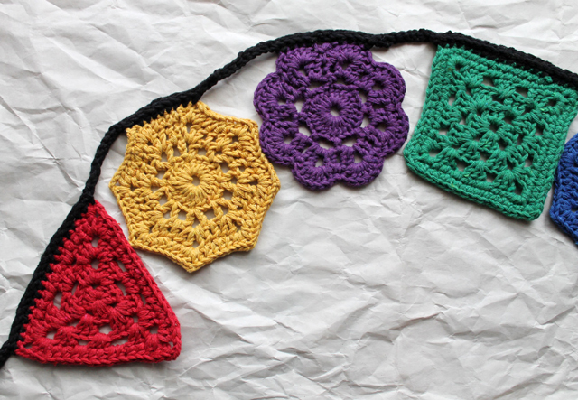 how to crochet a triangle octagon and square crocheted garland