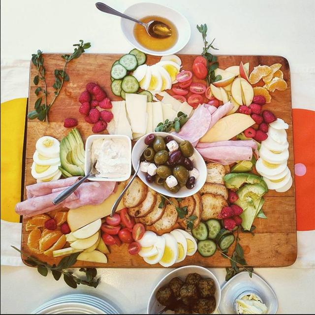 photo of brunch buffet board taken by guy