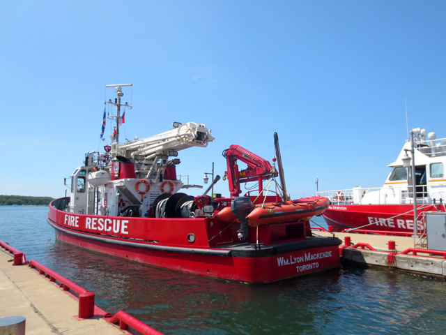 fire rescue boat toronto harbour wm lyon mackenzie