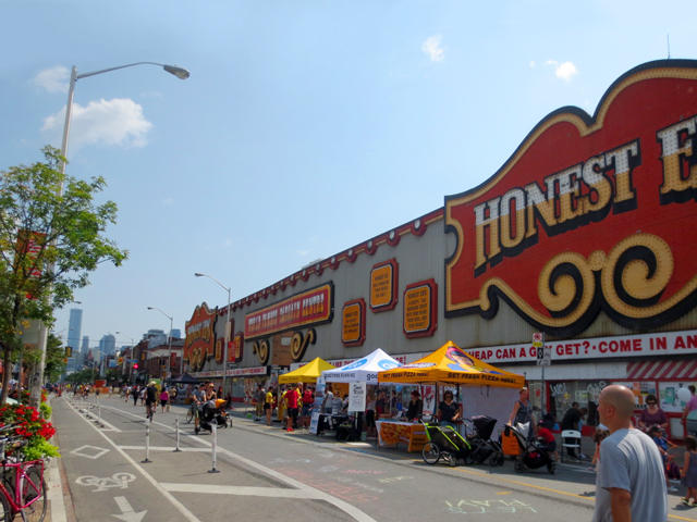 bloor street near bathurst honest eds during streets open festival