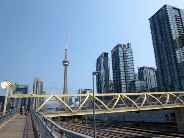 puente de luz bridge toronto yellow bridge