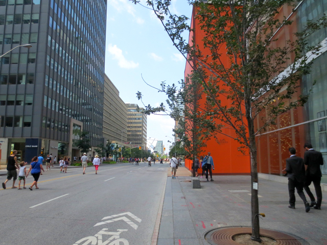 toronto bloor street with no cars during open streets event
