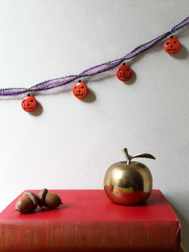 easy beading project how to make a halloween decoration with pumpkin beads from michaels
