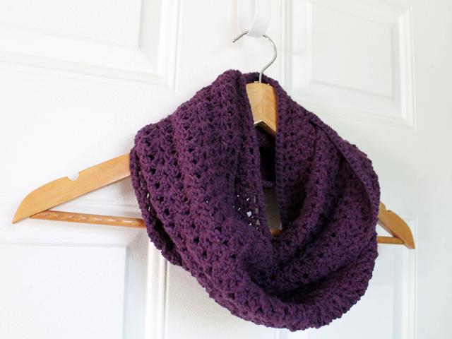 handmade cowl scarf crocheted cotton