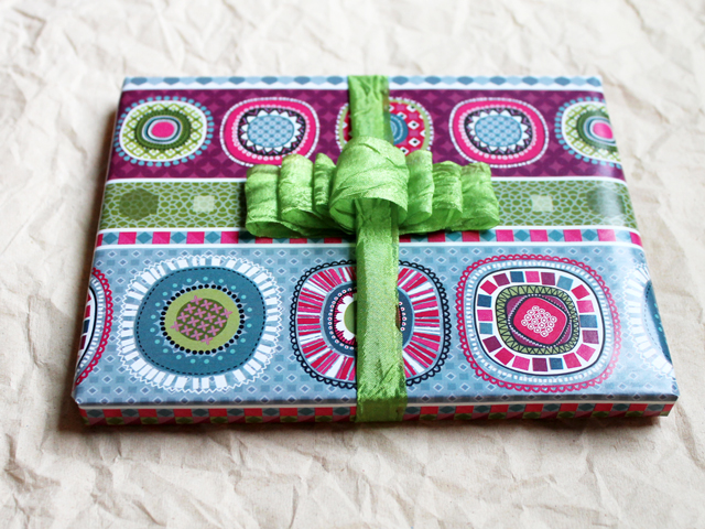 birthday gift wrapped with handmade bow how to use a comb and ribbon gift topper bow