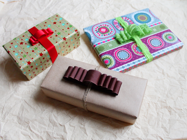 how to make fancy gift bows using a comb part two