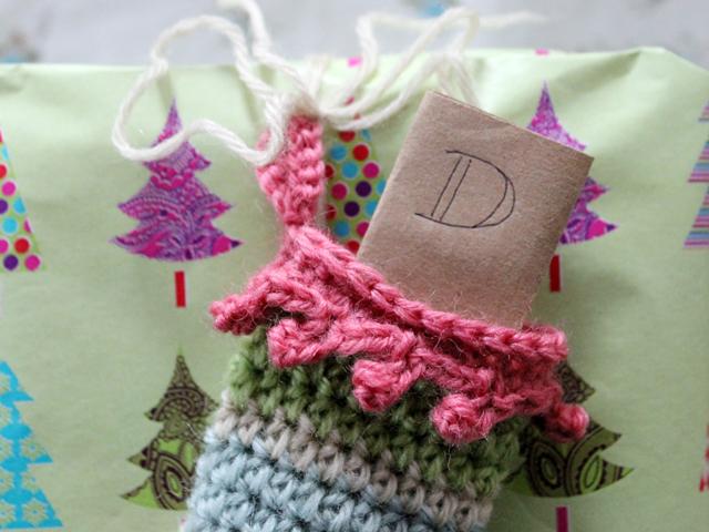 note inside mini stocking gift topper