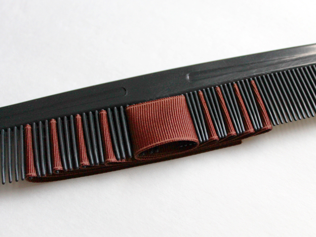 ribbon on comb