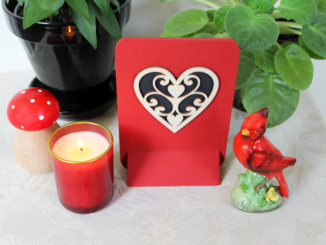 how to make a valentine decoration using precut diecut wood pieces from craft store