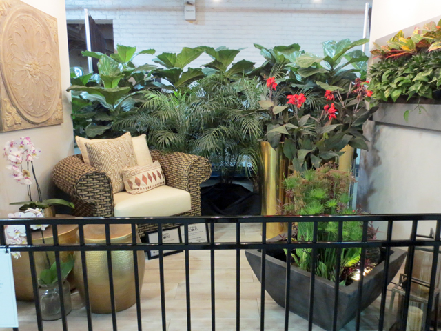 balcony garden featuring the hemingway chair at canada blooms toronto