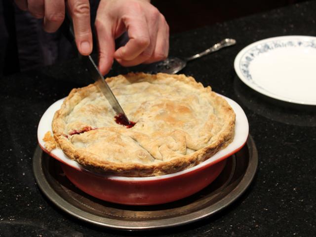 cutting pie