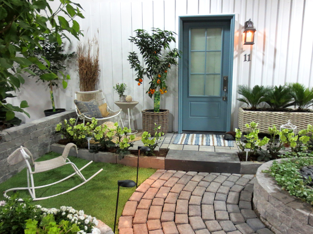 do up the doorsteps garden at canada blooms horticultural show toronto