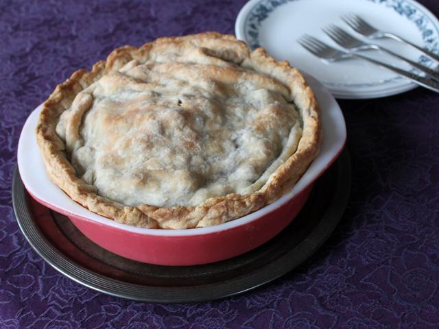 homemade deep dish blueberry pie