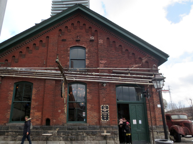 balzacs coffee shop distillery district toronto