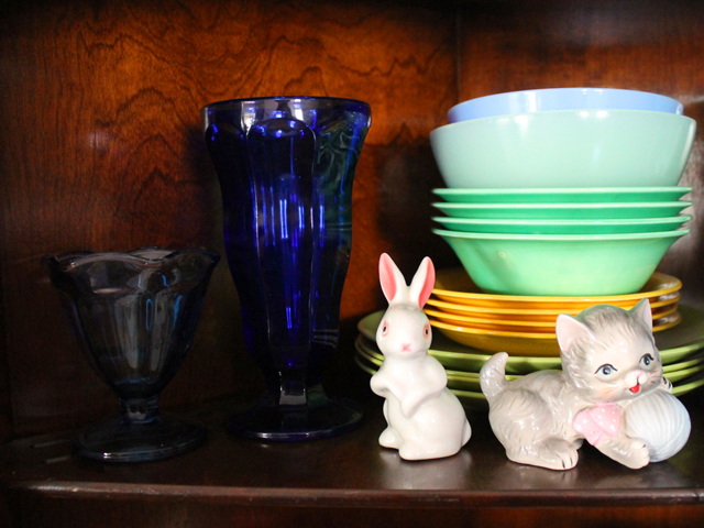 vintage rabbit and kitten figurines