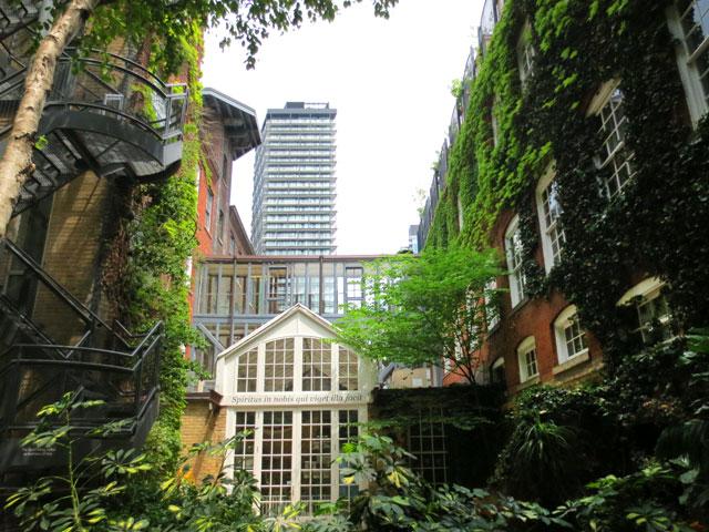 courtyard garden historic building 401 richmond street