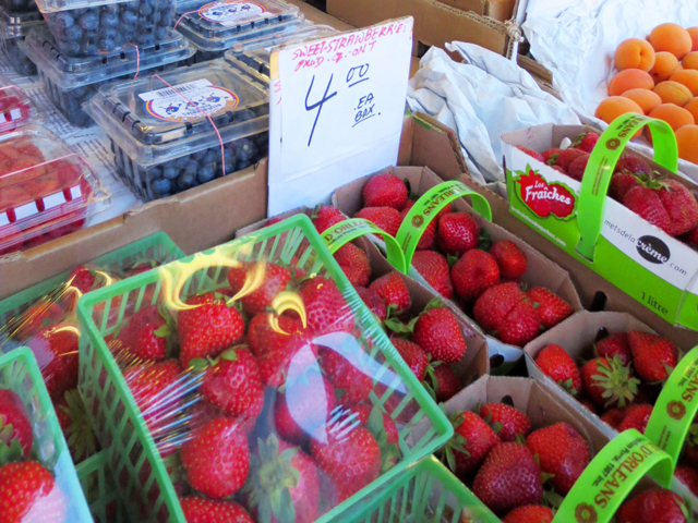 local strawberries for sale in kensington market toronto