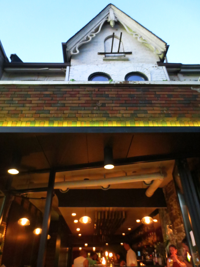 peoples eatery restaurant on spadina avenue toronto